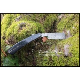 Rasoir coupe-choux en acier damas modèle 01
